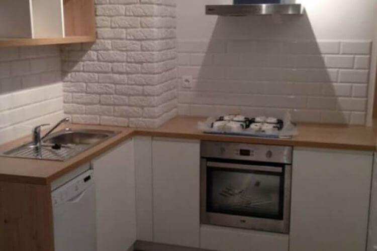 Kuchnia z dodatkiem drewna